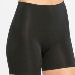 Spanx Thinstincts Girl Shorts Black Small